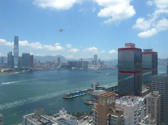 Ibis Hong Kong Central & Sheung Wan : 部屋からの景色3