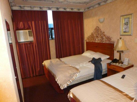 Howard Johnson Inn Guatemala City: Our room