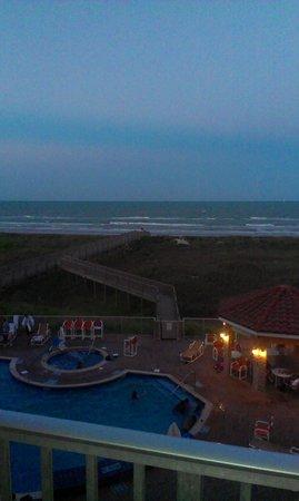 La Copa Inn Beach Hotel: king jacuzzi w/beach view