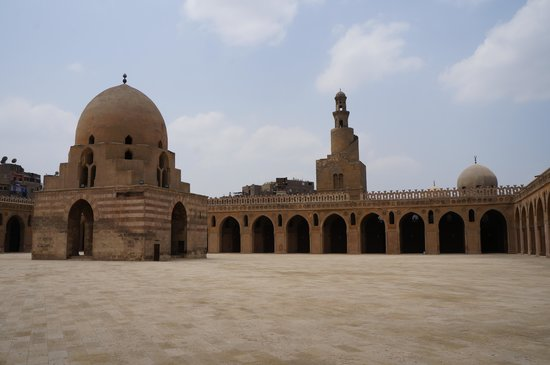 Cairo-Overnight Tours: Mosque of Ibn Tulun