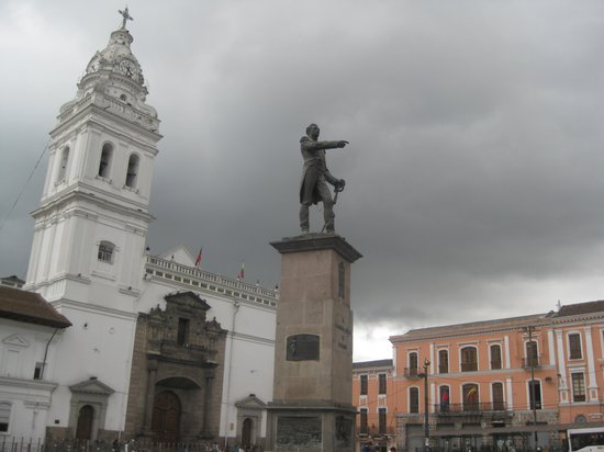 Quito Old Town: Plaza Santo Domingo