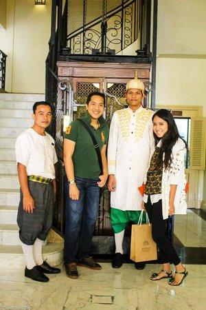 Raffles Grand Hotel d'Angkor : with hotel staffs