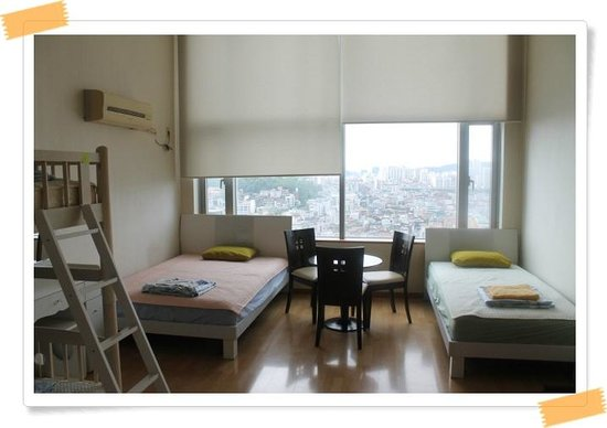 Hongdae Guesthouse: A family room for 6 people