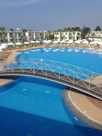 Sunprime Ayia Napa Suites : Pool view from terrace