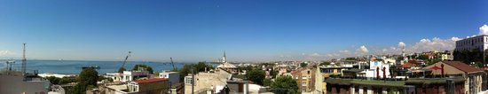 Hotel Amira Istanbul: Panoramic view from the roof terrace on 4th floor