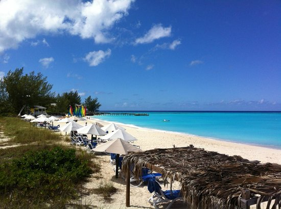Club Med Columbus Isle: Look at Yonder Beach! (And all that great diving beyond!