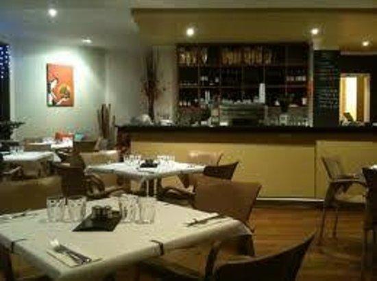 Vanilla Cafe Bar: Great seating