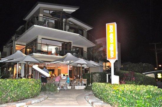 Vanilla Cafe Bar: Lovely at night