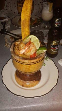 La Estacion: Shrimp mofongo yummmm
