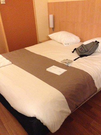 Ibis Paris Gare du Nord La Fayette 10eme: The Bed
