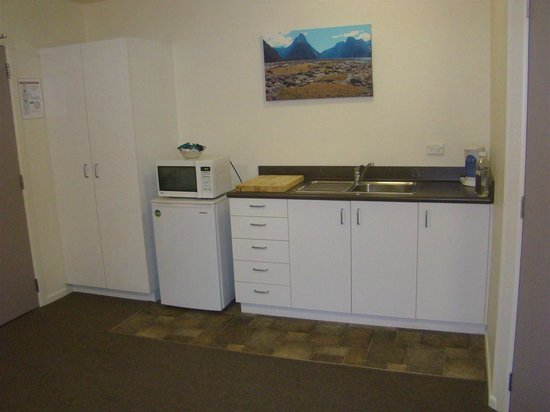 Shotover Lodge : Kitchen facilities in room