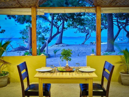 WhiteShell Beach Inn: Beach Restaurant
