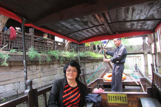 Fengjing Ancient Town : What an enjoyable boat ride?
