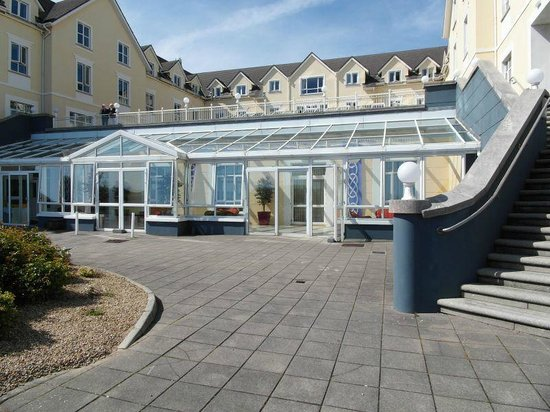Galway Bay Hotel: frontview