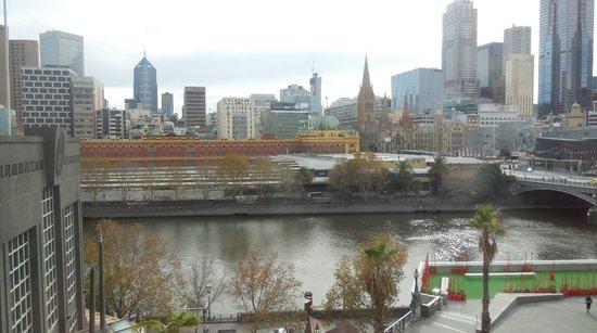 Quay West Suites Melbourne: Room 910 view