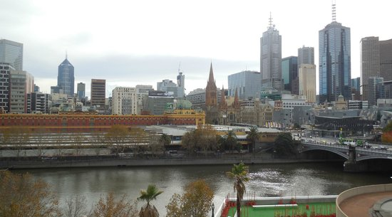 Quay West Suites Melbourne: Room 910 view