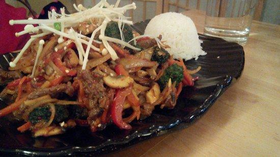 Sanwiye: Stirred fried beef with rice