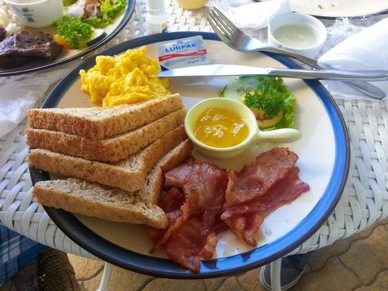Joaquin's Bed and Breakfast: bacon american breakfast
