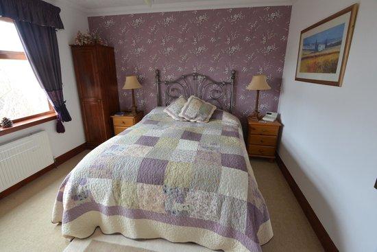Home Farm Bed & Breakfast: Downstairs double en suite Bedroom