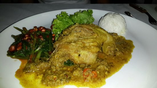 Le Jaenzan Restaurant: A very nice meal... the duck is very tender and well-marinated, come with veggies and rice on th