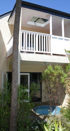 Baycrest Lodge : Upstairs - downstairs