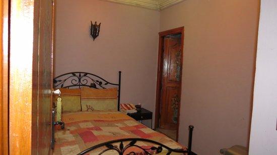 Riad Rahba Marrakech: Notre chambre qui est correcte au premier regard !