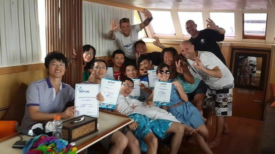 Neptune Scuba Diving: Our Happy Customers with our Great Crew