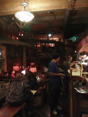 Yellow Deli : Cute Interior