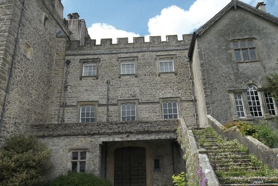 Sizergh Castle: veiw of back stairs