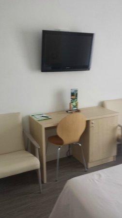 Hotel Bell Repos: Habitación con TV plasma