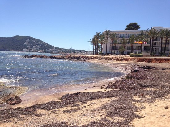 Sol Beach House Ibiza by Melia : The little beach on the way to town