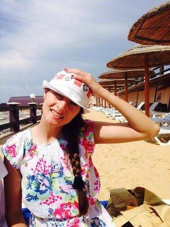 Mar Le Mar Club: Второй уровень собственного пляжа отеля