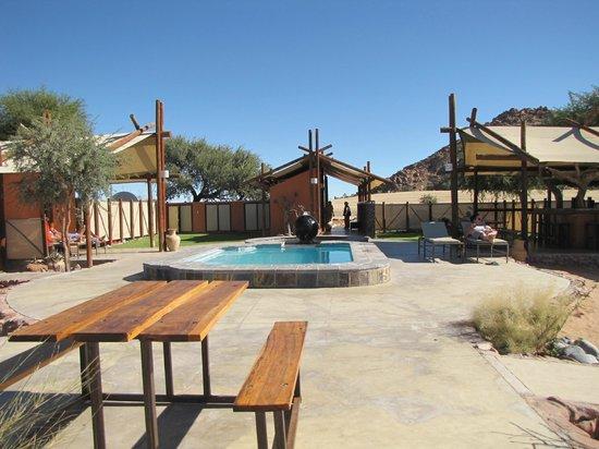 Desert Camp: Petite piscine