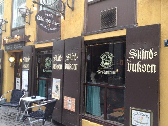 Skindbuksen: Fachada restaurante