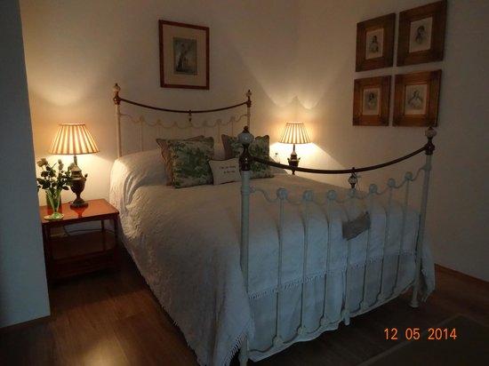 52 Eymet : desfeervolle groene slaapkamer