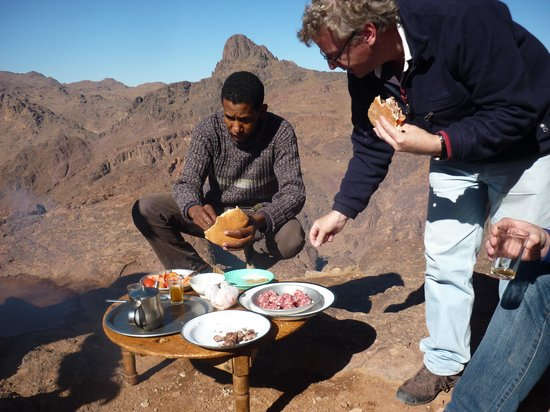 Morocco Explored - Day Tours : Lunch on the High Atlas Mountains