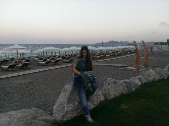 Mitsis Alila Resort & Spa : Пляж вечером