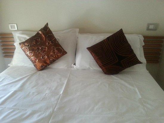 Villa Lalla: Огромная кровать
