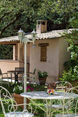 Hotel Le Floreal : Jardin