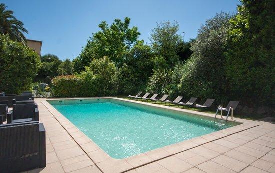 Hotel Le Floreal : Piscine