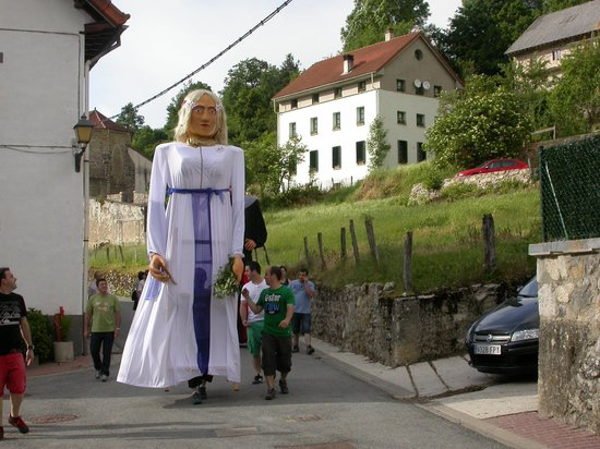 Posada Sarigarri: Fiestas en Abaurrepea