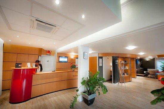 Ibis Nantes Saint Herblain : Espace réception salon