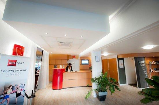 Ibis Nantes Saint Herblain : Hall d'accueil