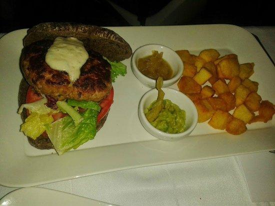 Restaurante de la Posada de San Jose: hamburguesa completa