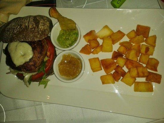 Restaurante de la Posada de San Jose: hamburguesa
