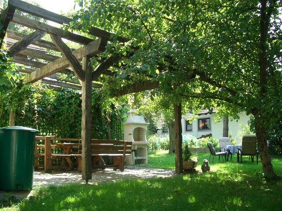 pergola bild von cafe pension kistler degerndorf tripadvisor. Black Bedroom Furniture Sets. Home Design Ideas