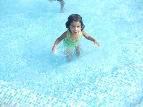 Sandy Resort: seprate childrens pool