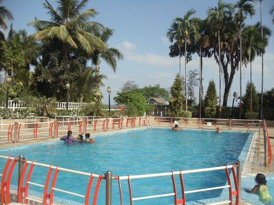 Sandy Resort : Clean Pool