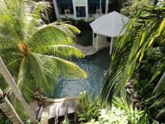 Verandahs Boutique Apartments: Pool