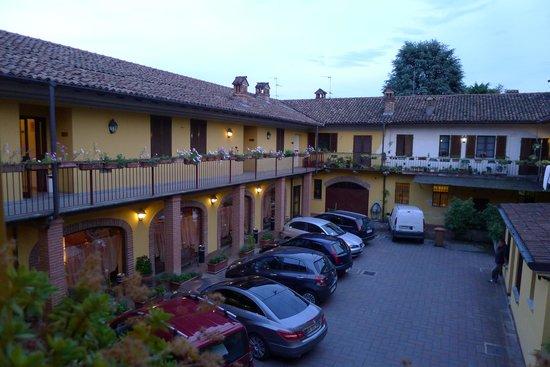 Hotel Italia: Internal Courtyard